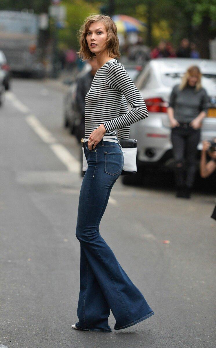 Какую обувь подобрать к расклешенным джинсам? /Фото: i.pinimg.com
