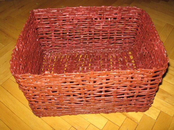 Плетение корзины из бумаги