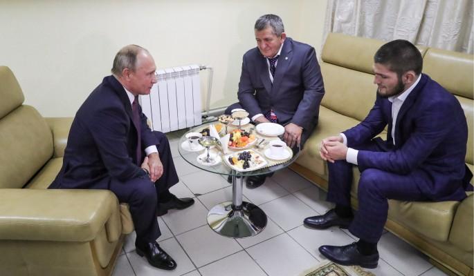 Владимир Путин обратился к Абдулманапу Нурмагомедову с просьбой не строго наказывать Хабиба за драку