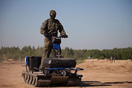 Игры и реальность: Ростех показал новый российский вездеход СБХ-10