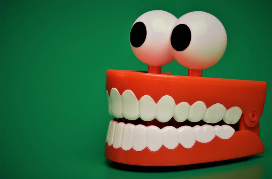12 полезных вещей с которыми справится зубная паста