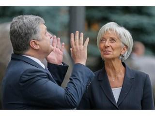 МВФ – поводок для Порошенко: украинцев ожидают новые летние потрясения
