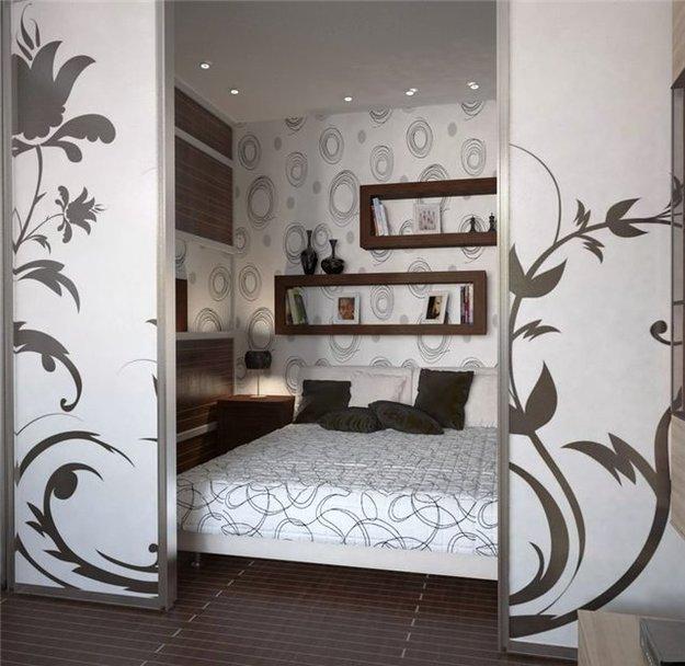 Спальня в малогабаритной квартире фото