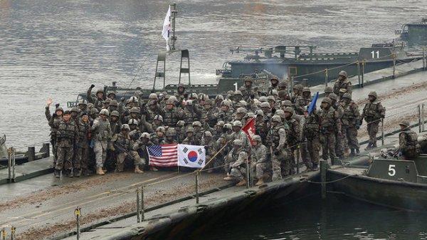 Вашингтон эвакуирует своих граждан из Южной Кореи