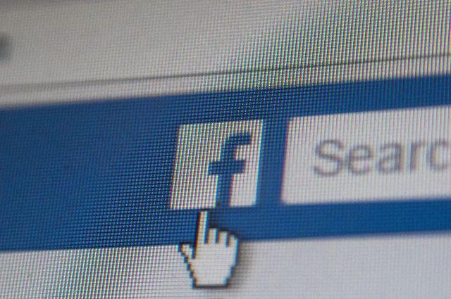 В Facebook и Instagram произошел сбой