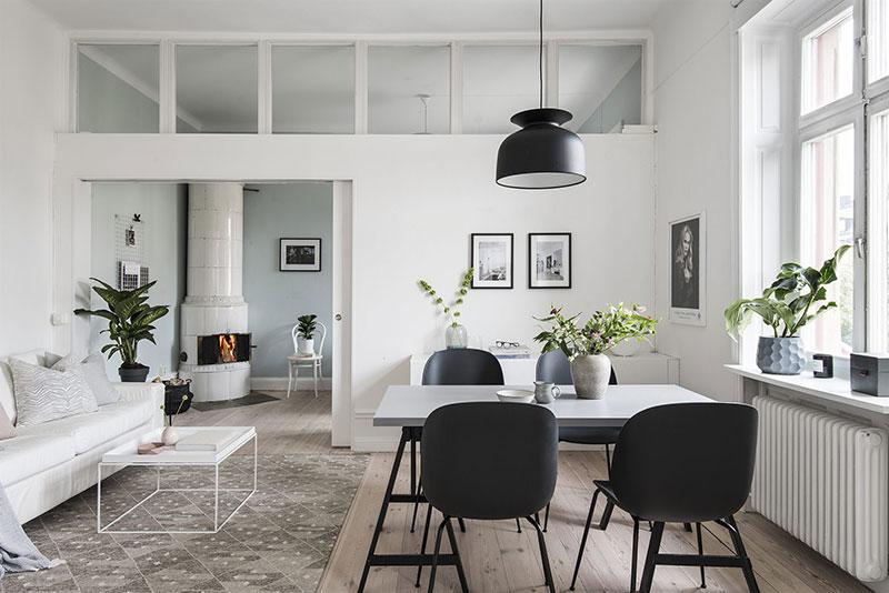 Спальня за перегородкой и много света: небольшая квартира в Швеции (45 кв. м)
