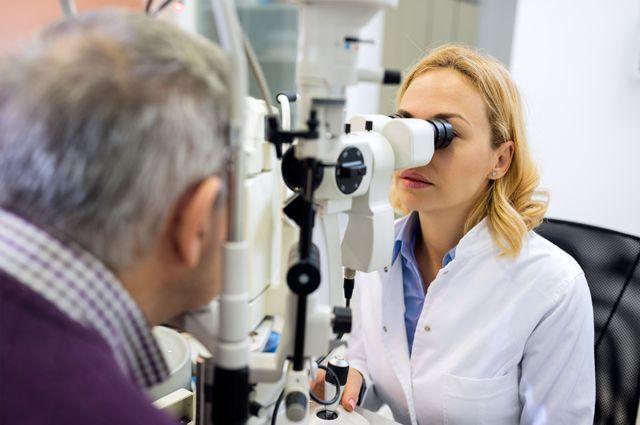 Пятно на глазу. Какие продукты реально помогут избежать потери зрения