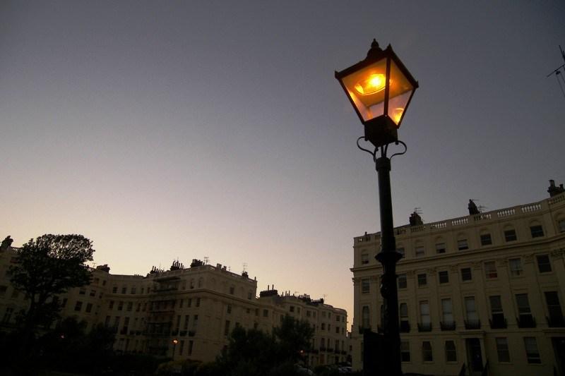 Зачем нам нужны уличные светильники и фонари.