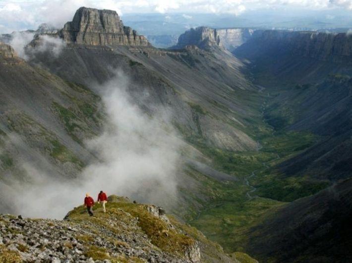 10 мест на земле, где происходят события, которые не могут объяснить даже ученые