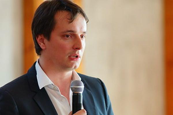 Сын Рогозина придумал ответ Илону Маску
