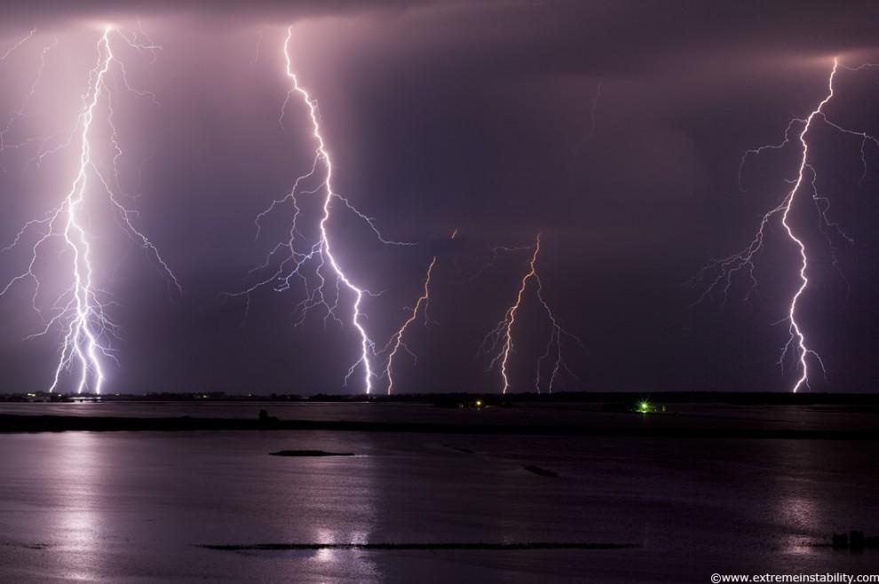 6158 990x658 Когда бьет молния