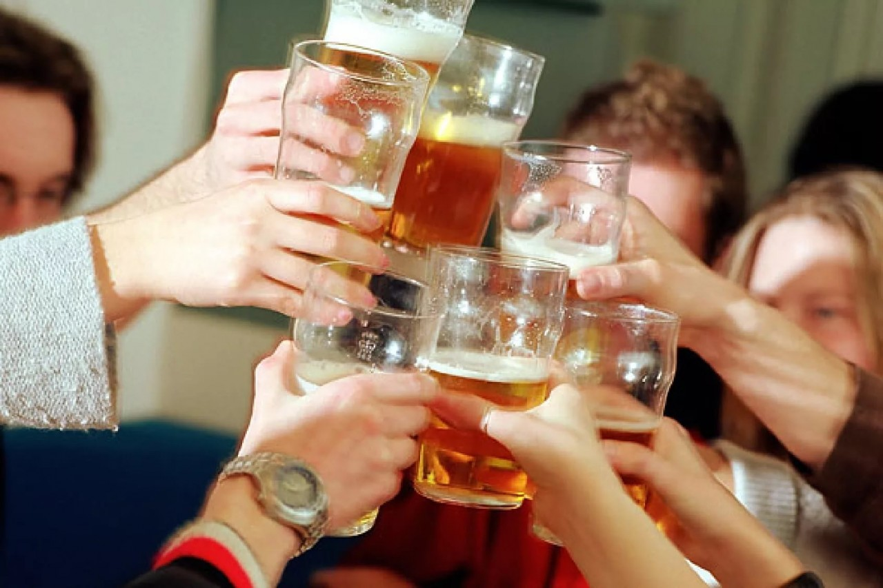 Все естество требует разврата и пьянки