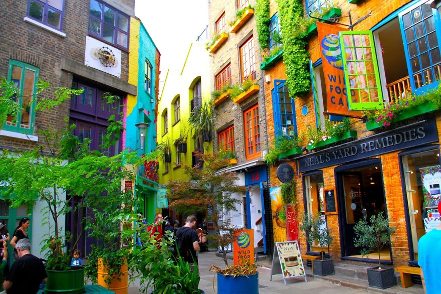 Красочные здания