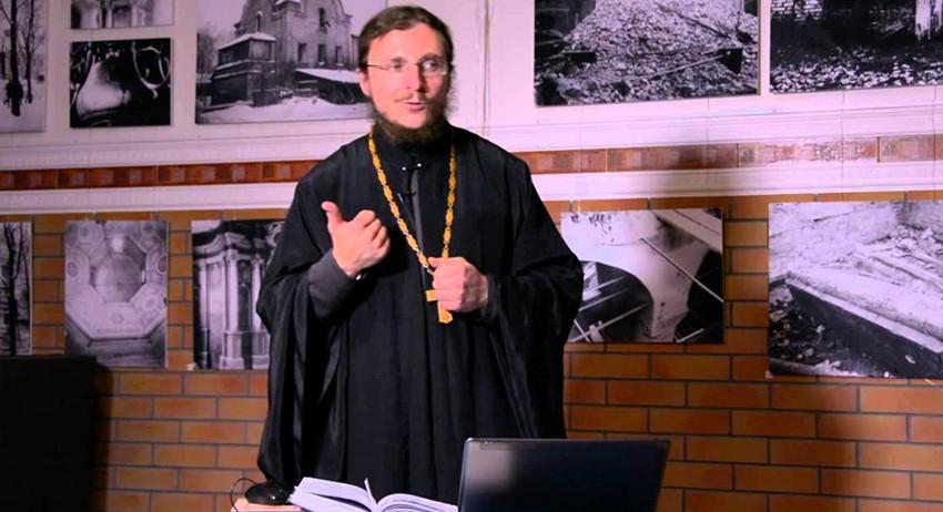 Священник призвал россиян вр…