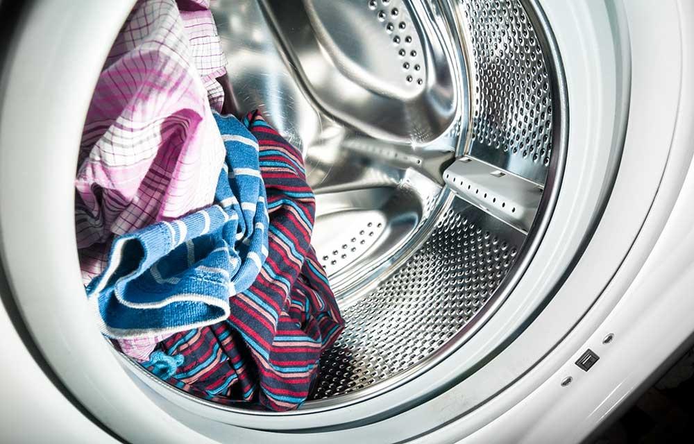 Как удалить запах из стиральной машины с помощью водки