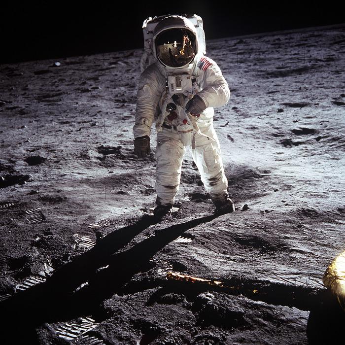 К пятидесятилетию первой высадки человека на Луну