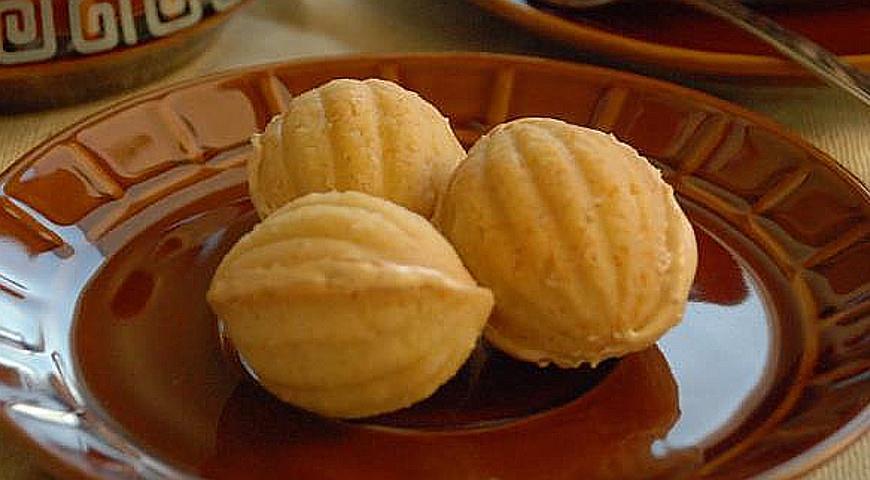 Хрустящие и нежные вафельные орешки с масляным кремом
