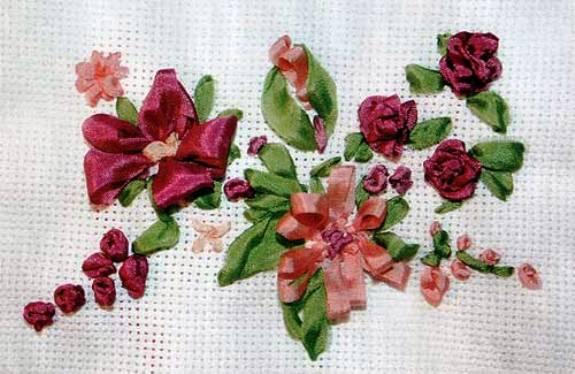 Вышивка лентами — поздравление с 8 марта (МК)