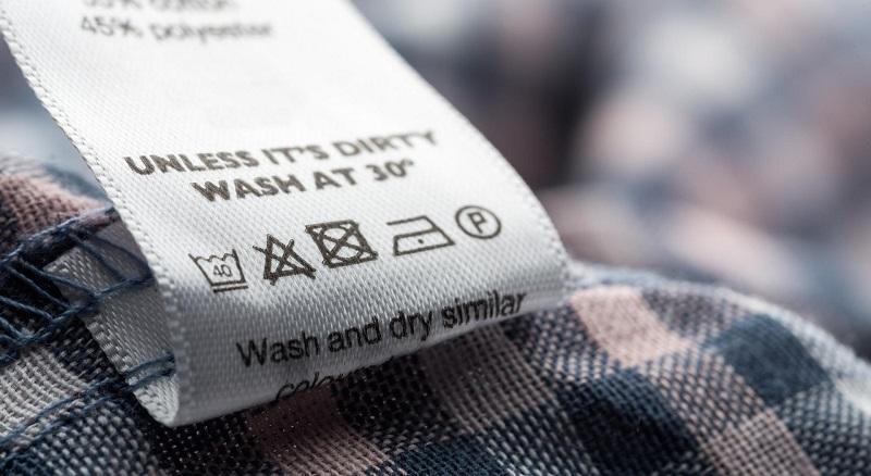 Стираем правильно: расшифровка значков на ярлыках одежды.