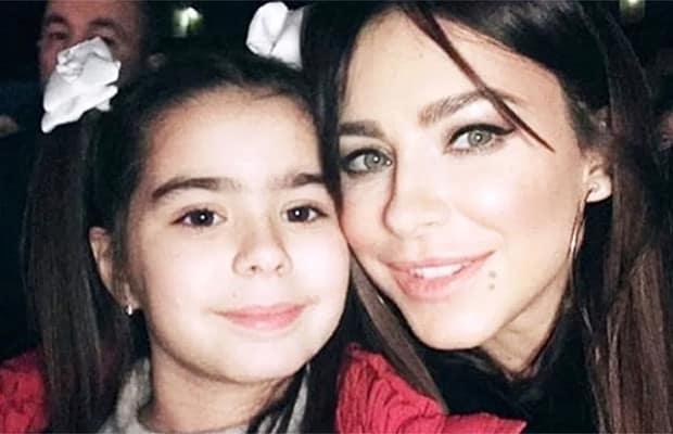 Дочка Лорак еще совсем маленькая, но уже сейчас можно увидеть, что она вылитая копия своей знаменитой мамы.