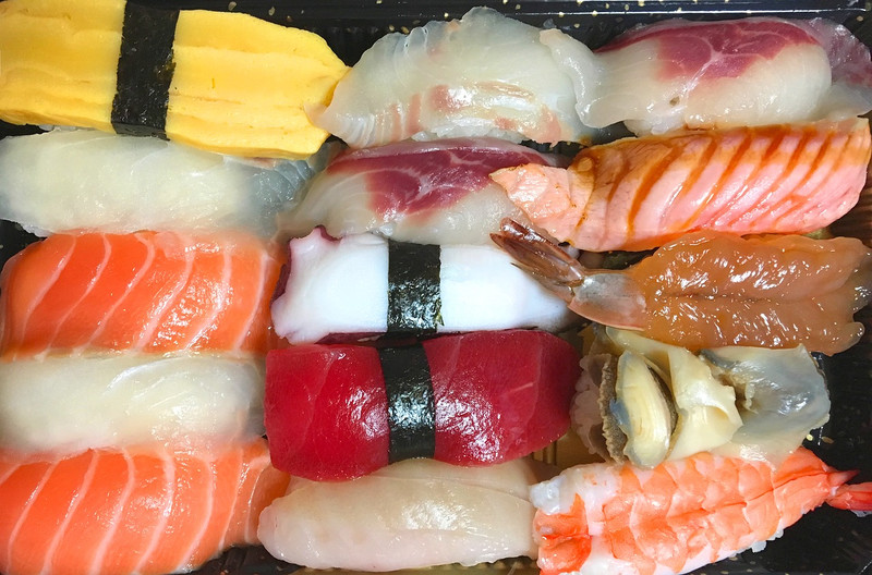Эксперты предупреждают о рисках связанных с употреблением суши