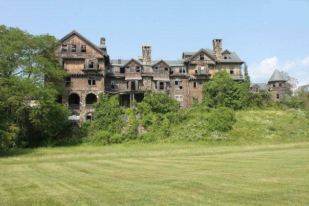7 потрясающих заброшенных замков 2
