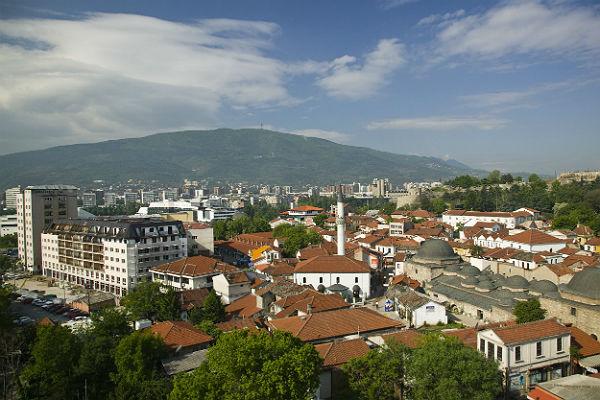 Захарова опровергла слухи об угрозе Лаврова не дать переименовать Македонию