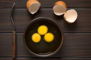 Можно ли есть сырые яйца?