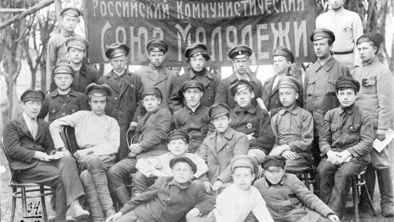 Кровавый юбилей: как в СССР уничтожали основателей и лидеров комсомола