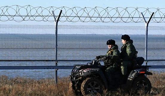 Украинские пограничники не увидели заграждения на границе Крыма