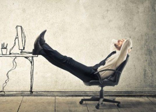 Как сидячая работа вредит здоровью и как можно этому противостоять?