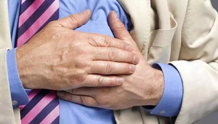 Как помочь себе, если начался сердечный приступ, а вы одни…
