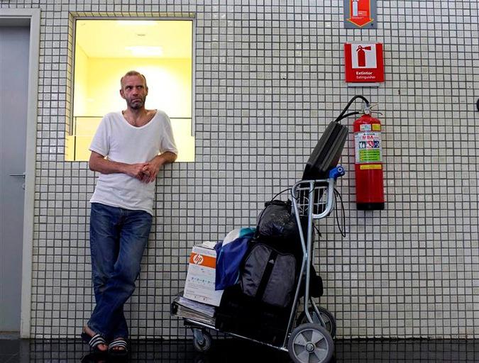 Жизнь в аэропорту. 10 известных случаев