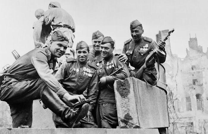 «Сапог для народа»: как в СССР появились кирзовые сапоги