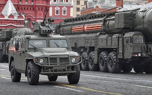 Ответ тем, кто считает, что России не нужно ни армии, ни ракет, а только велосипеды и шенгенские визы