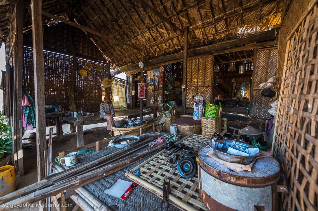 Как живут в зажиточной деревне в Бирме?