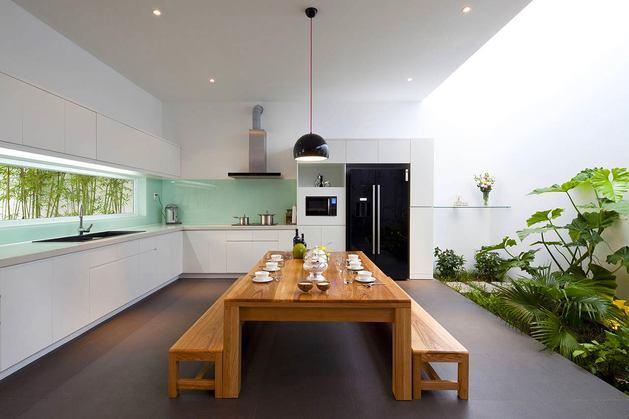 Кухня в цветах: черный, серый, светло-серый, белый, коричневый. Кухня в стилях: экологический стиль.