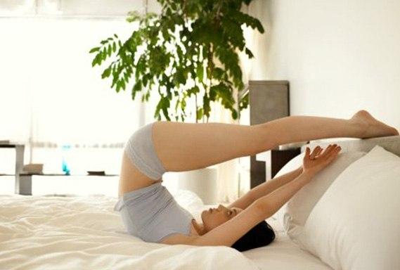 10 лучших упражнений для суставов, которые можно делать, не вставая с постели