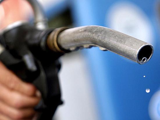 До сотки не дойдет: Счетная палата предупредила об ожидаемом резком росте цен на бензин