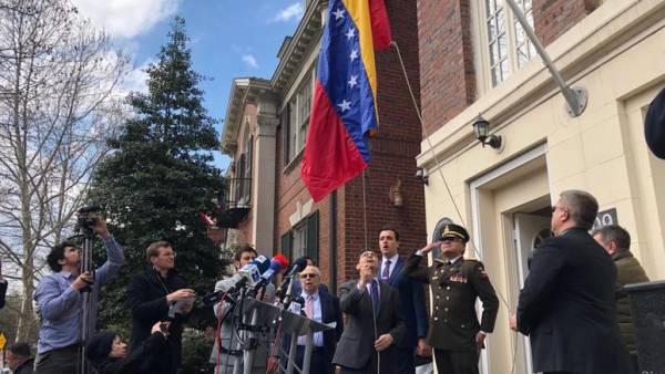 США поддерживают венесуэльск…