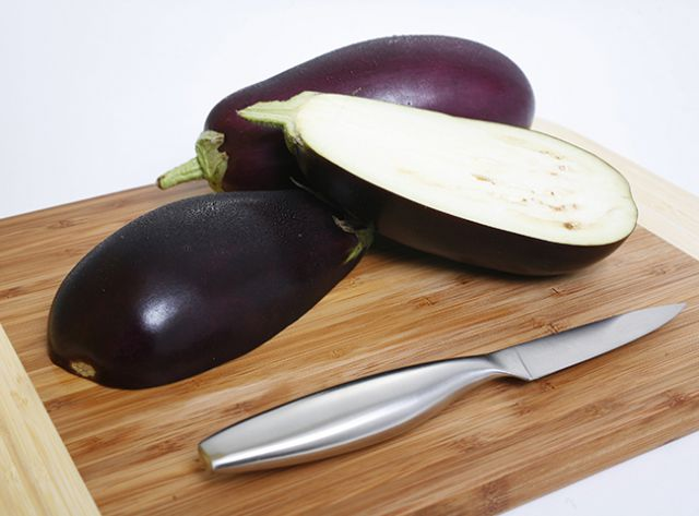 Овощ долголетия. 5 рецептов полезных блюд из баклажанов