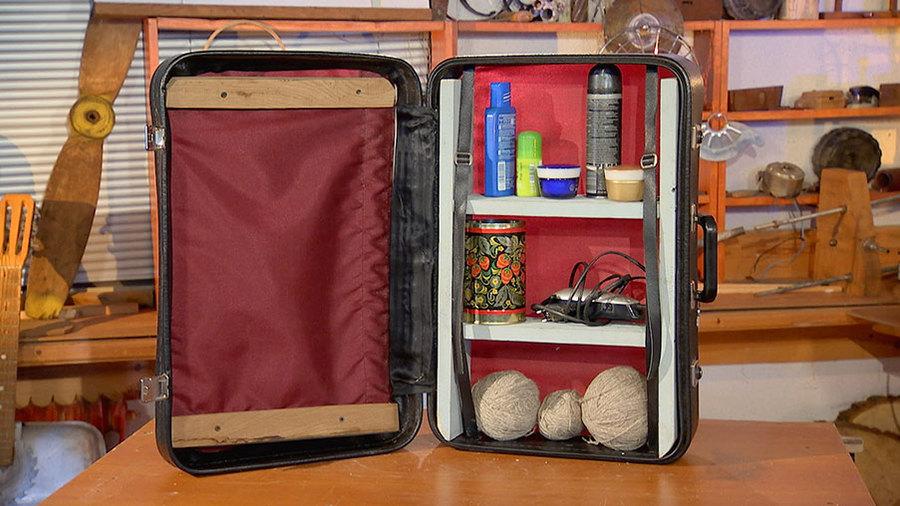 Полка из чемодана