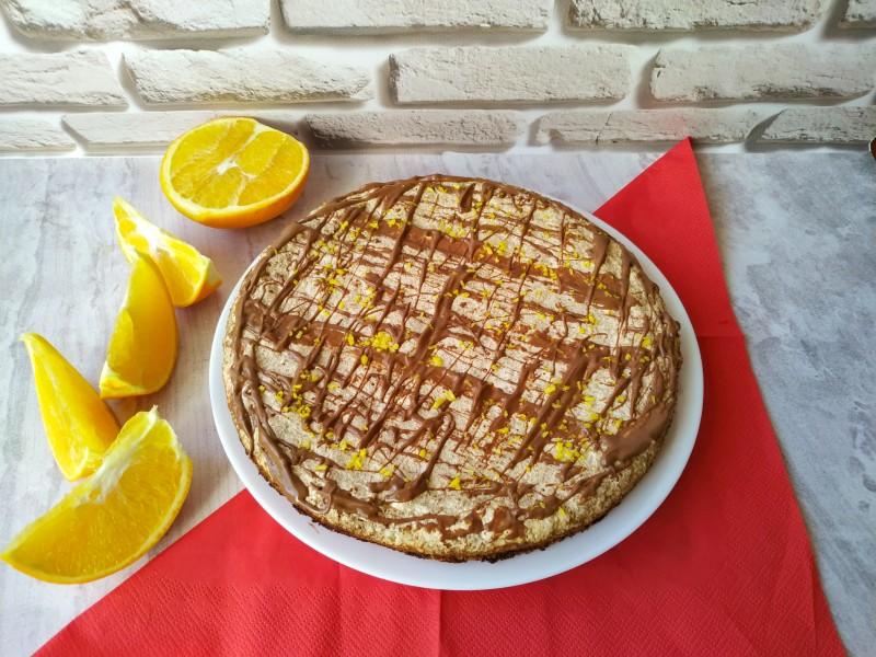 Торт безе с орехами и крекером (по вкусу, как сникерс)