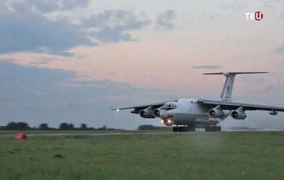 Экипажи Су-24 выполнили дозаправку топливом в воздухе над Уралом