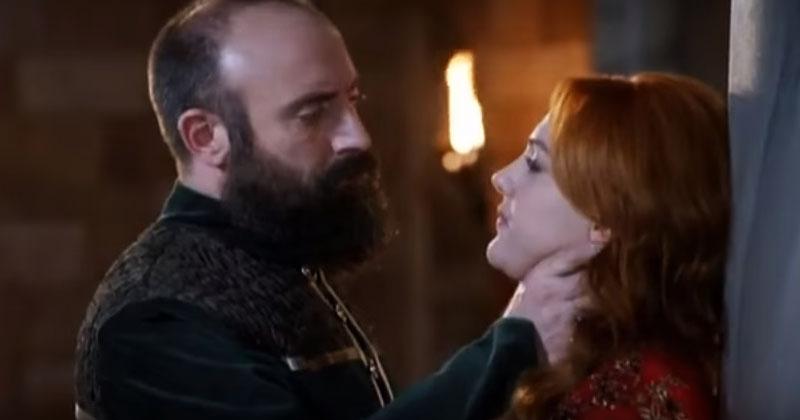 Султан Сулейман душит и целует Хюрем. Очень сильный и страстный эпизод из любимого «Великолепного века»!