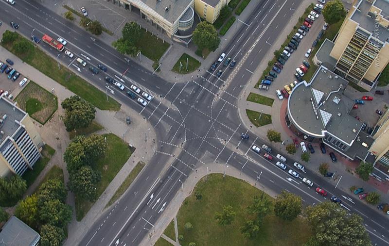Прямой угол как непременная основа новых перекрестков