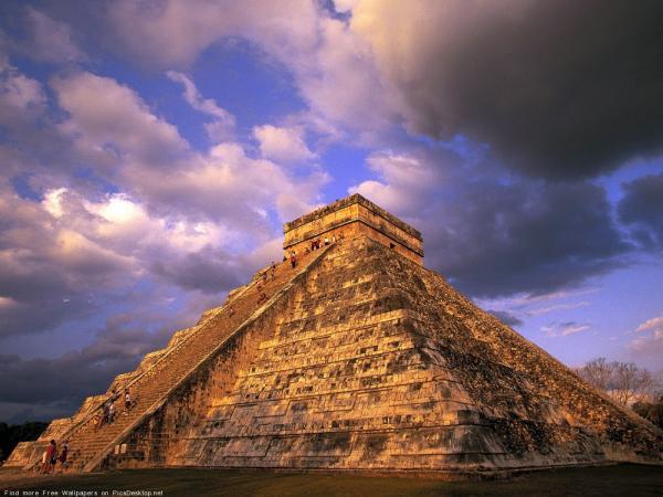 Какая пирамида правильней?