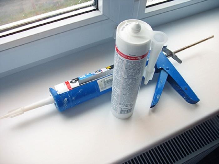 Чем удалить силиконовый герметик с пластиковых окон