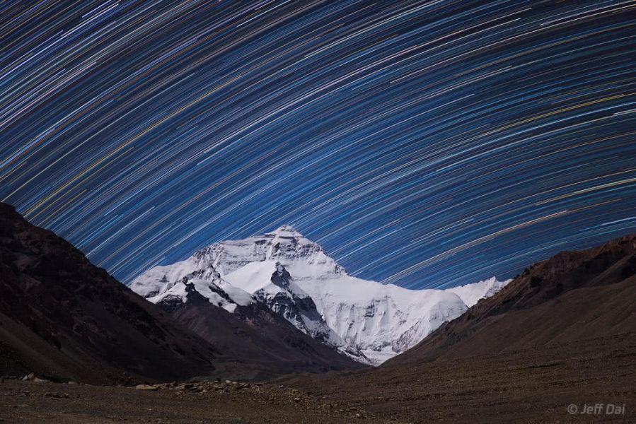 Звездные треки над Эверестом: фото из базового лагеря