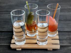 Спиртные напитки. Шутер коктейли с водкой